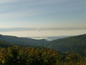 Über den Wolken. Blich in die Ebene nach Tschechien.